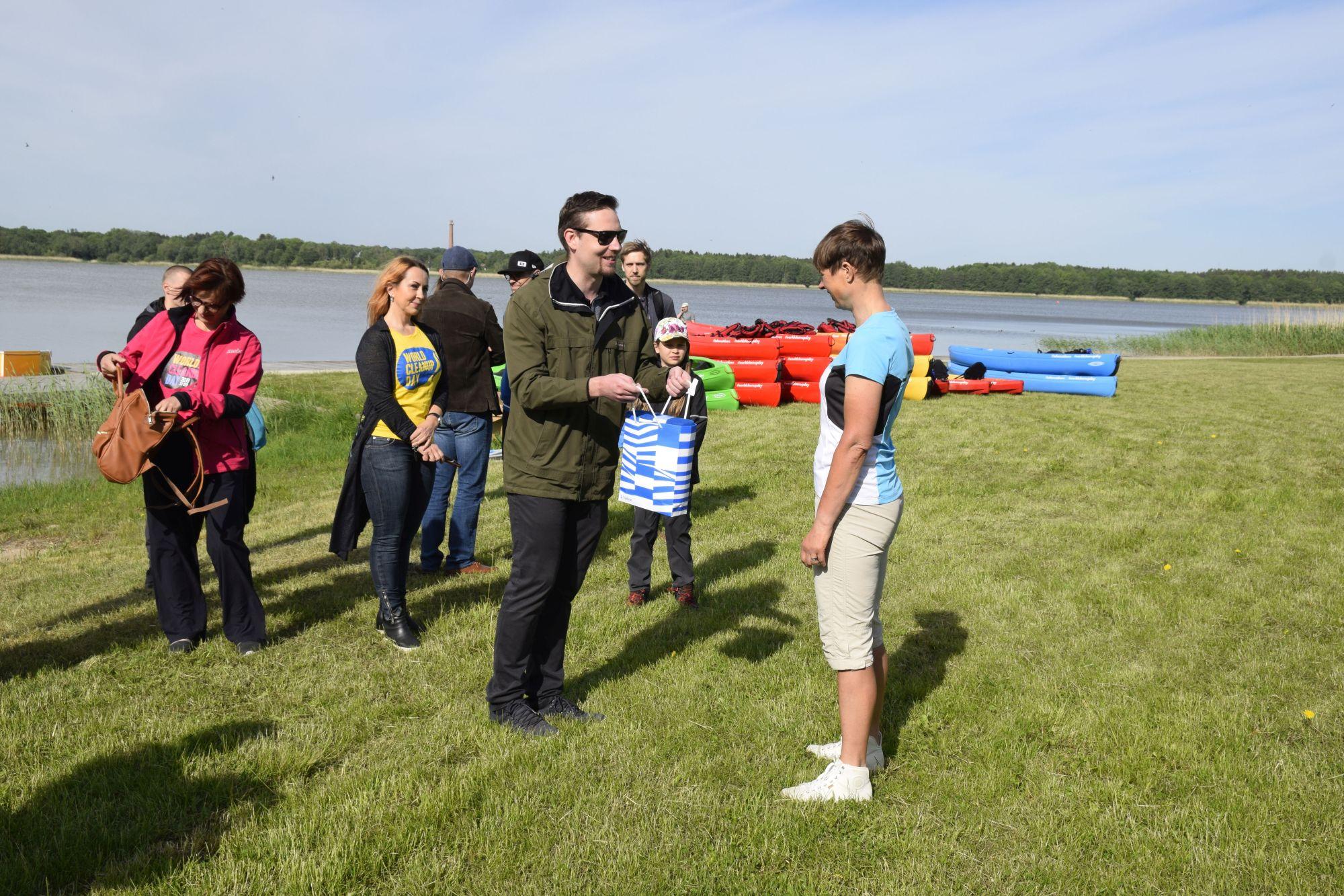 Harku järve koristuspäeval koguti üle poole tonni prügi