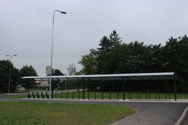 5f1e9237540 Saue uus ratta- ja autoparkla teeb rongiga liiklejate elu mugavamaks ...
